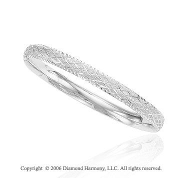 14k White Gold 7in Diamond Carved 7mm Bangle Bracelet
