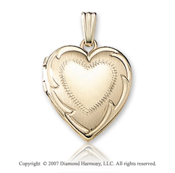 Milgrain Carved Signet Heart 14k Yellow Gold Locket