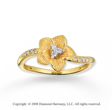 14k Yellow Gold Stunning Flower Diamond Ring